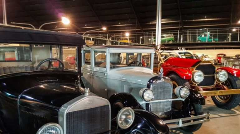 Al-Ain-Classic-Car-Museum-Tourist-Attractions-In-UAE