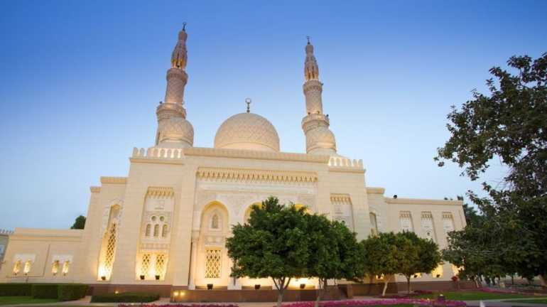 Jumeirah-Mosque-Tourist-Attractions-In-UAE